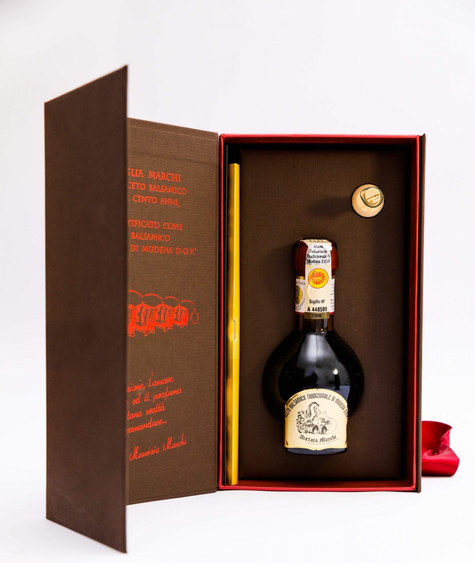 scatola con natro bottiglia Aceto Balsamico Tradizionale di Modena D.O.P