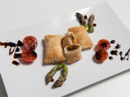 acetaia-brands-recipes-with-balsamic-vinegar-of-modena-appetizers-rectangles-of-pastry