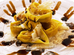 acetaia-brands-recipes-with-balsamic-vinegar-of-modena-first-courses-tortelloni